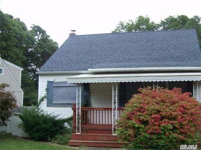 3 BR,  1.00 BTH  Cape style home in Shirley